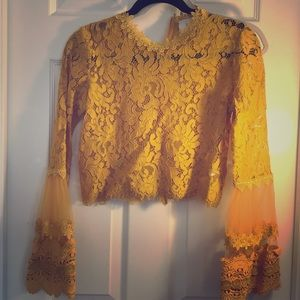 Tops - Super cute lace crop long sleeve!